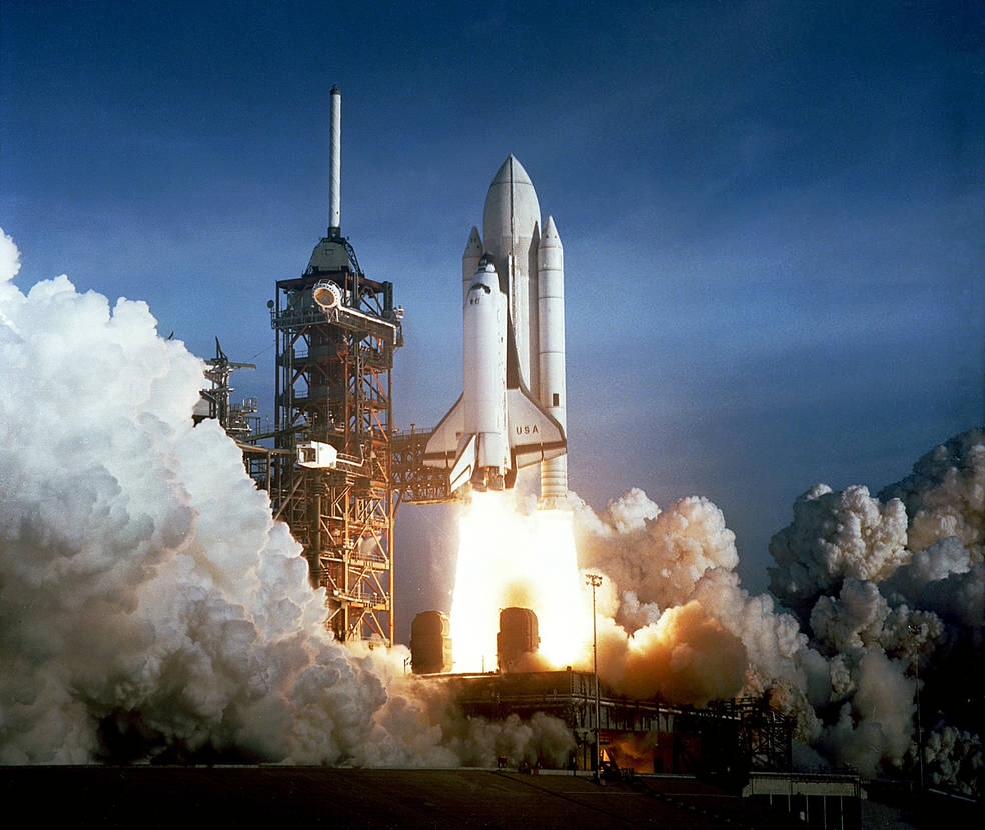 Das erste Space Shuttle fliegt ins All
